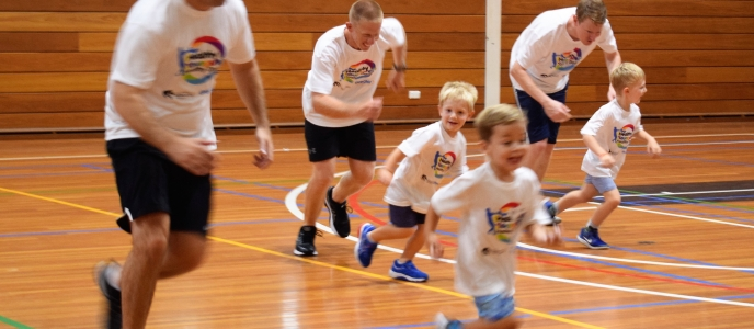 Youngsters motivating dads to lead a healthy lifestyle